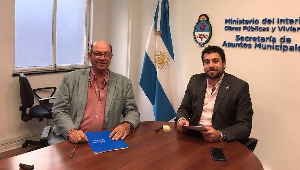 Ameghino tellechea firma acuerdo para mejora la atenci n for Ministerio del interior horario de atencion